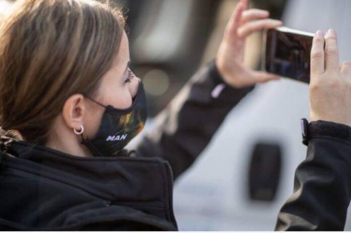 Ferrarini vieta uso Smartphone al lavoro (Getty Images)