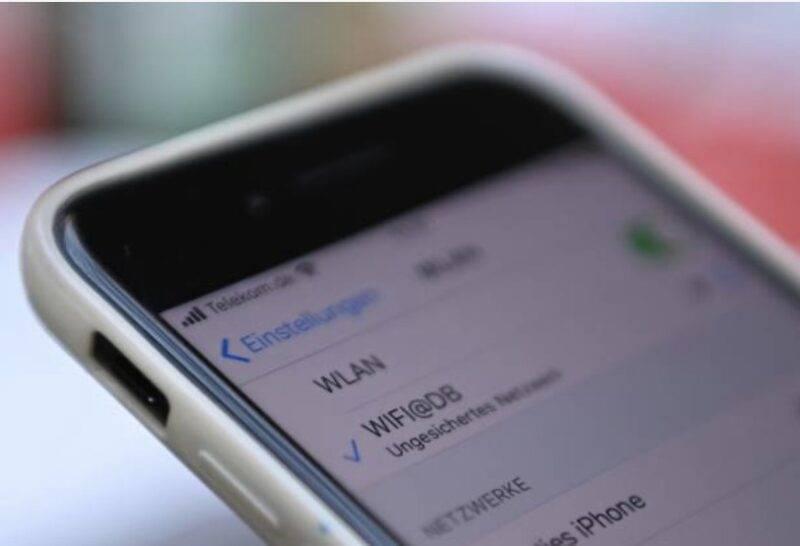 Ferrarini, vietato l'uso di smartphone ai dipendenti (Getty Images)