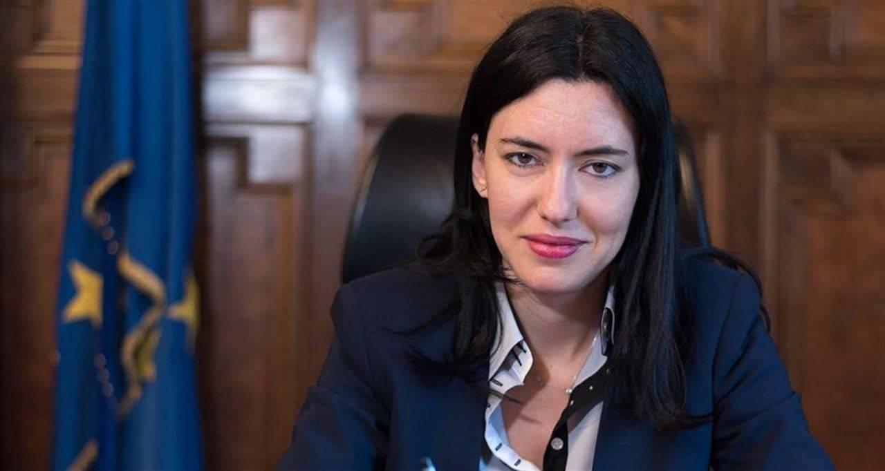 Lucia Azzolina sulla riapertura graduale delle scuole (Instagram)