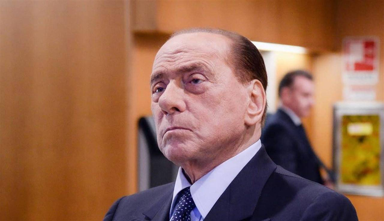 Silvio Berlusconi positivo