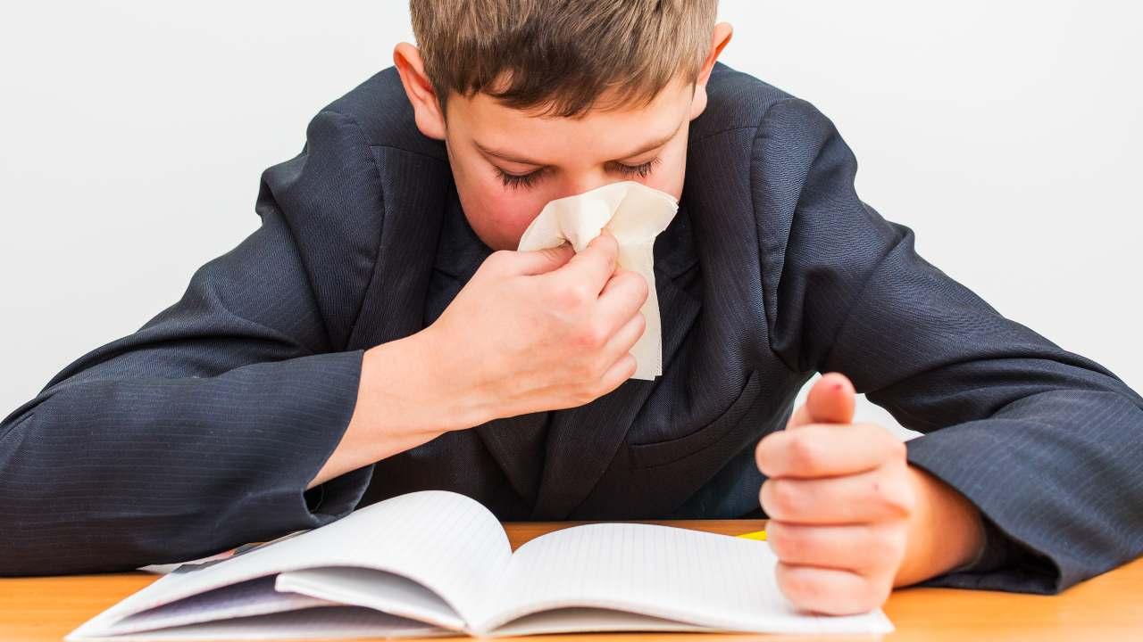 bambino febbre a scuola protocollo anti-covid