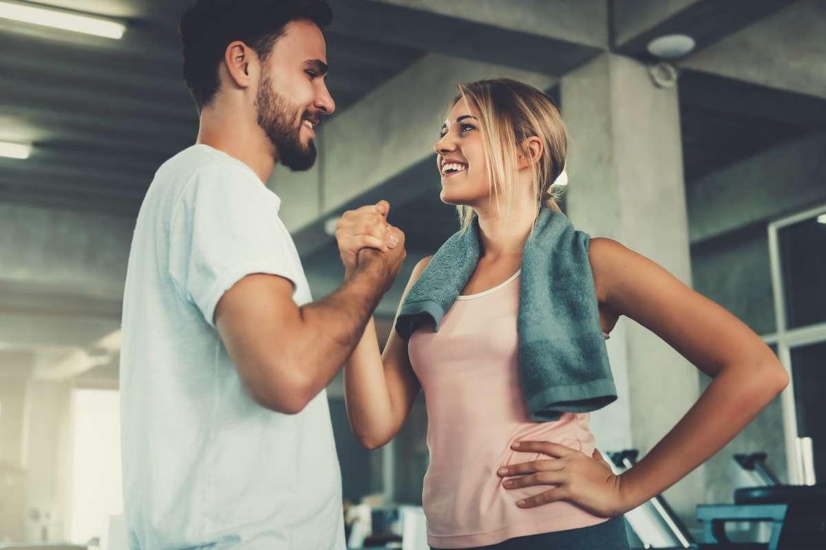 coppia che fa fitness