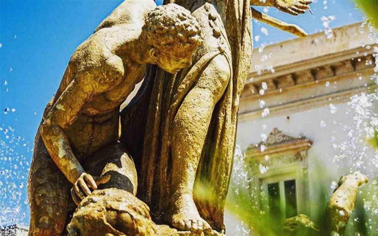 fontana diana siracusa