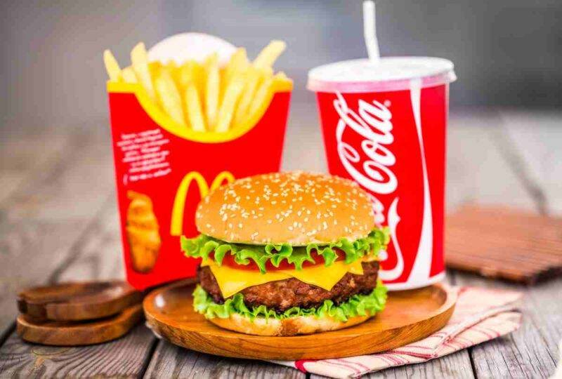 Conserva Hamburger e patatine del mc donald's per 24 anni video virale
