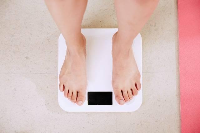 Peso corporeo: come controllarlo, come valutarlo e altri consigli