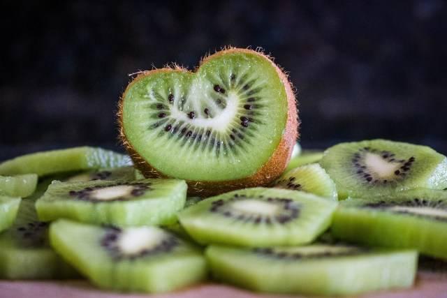 Buccia del kiwi: scopri perché mangiarla e tutti i benefici