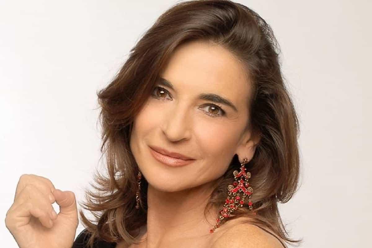 Lina Sastri, chi è: età, altezza, carriera e vita privata