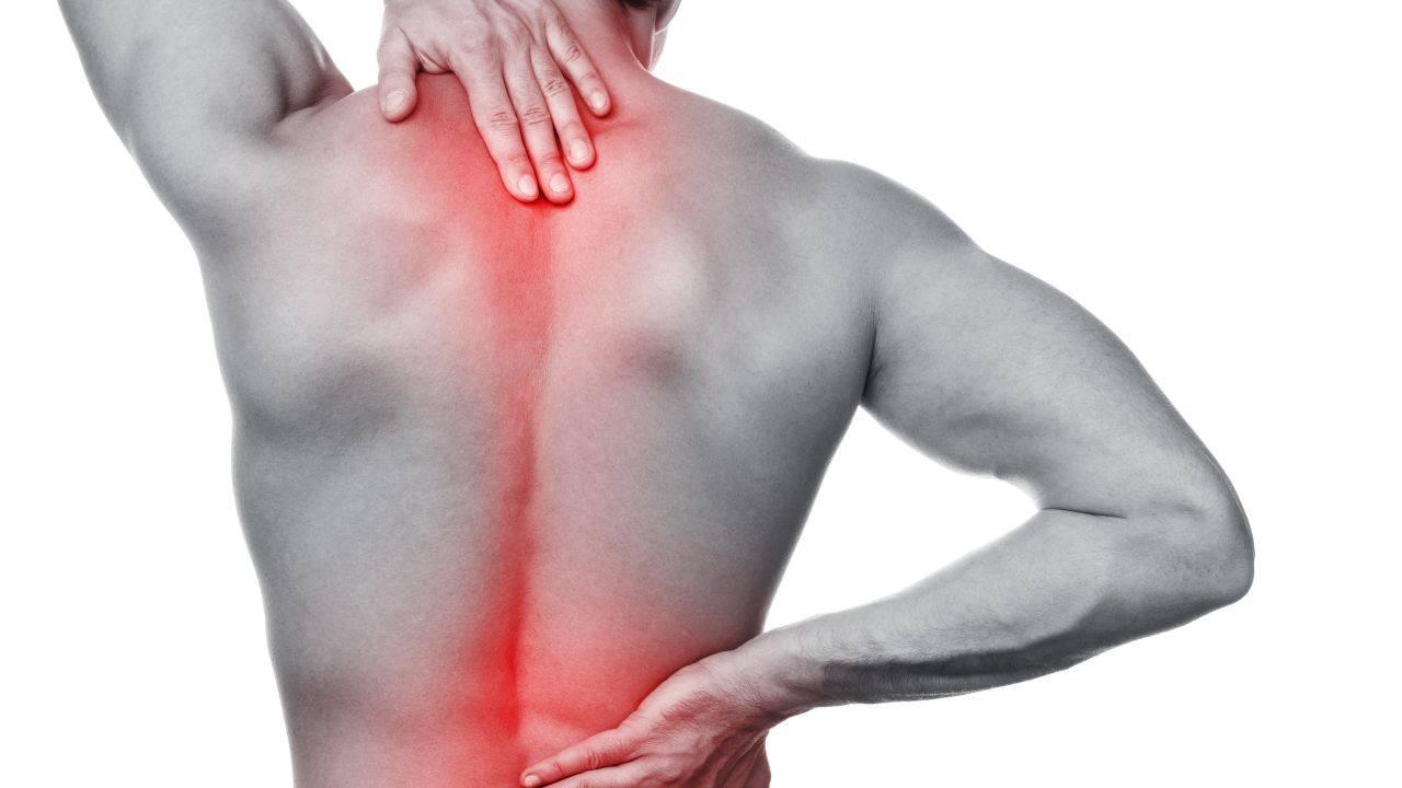 Mal di schiena: le cause principali e come risolverlo