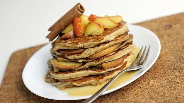 Pancakes alle mele velocissimi e sani