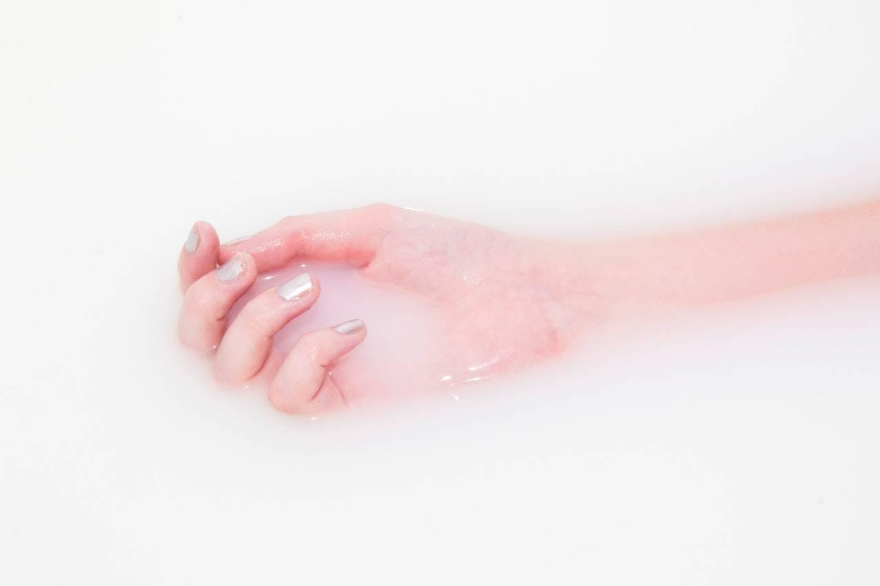 curare le unghie