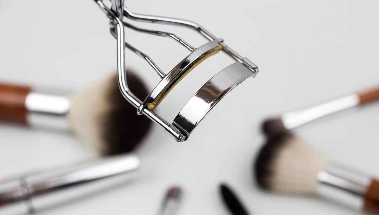 ingrandire gli occhi con il makeup la tecnica