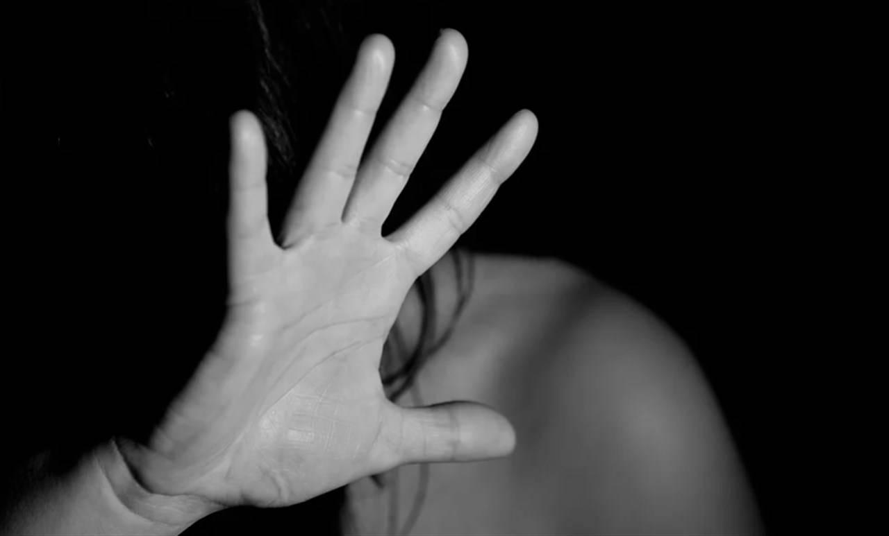 donna violentata disinvolta