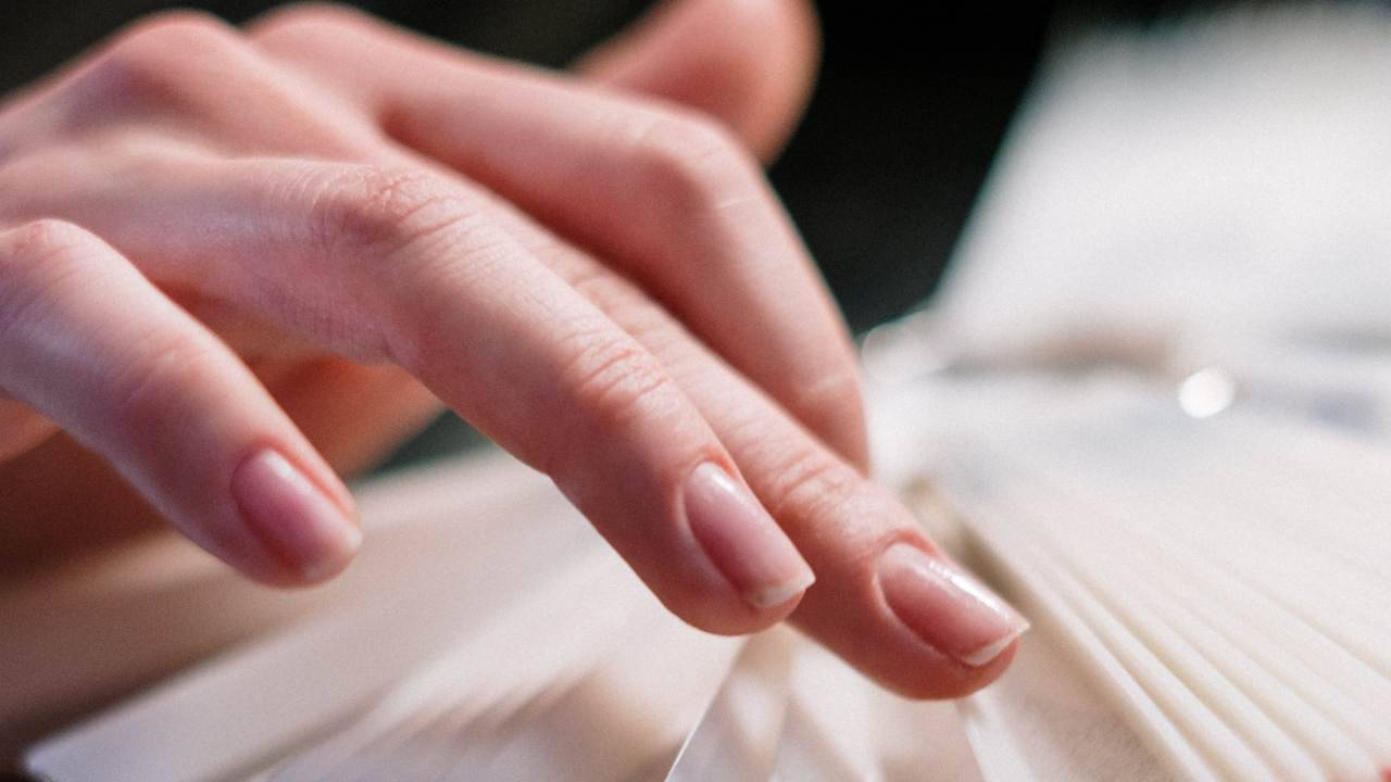 come far crescere unghie con metodi naturlai