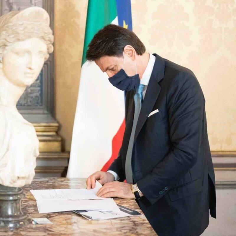 Conte, i principali aspetti del Decreto Ristori (Facebook)