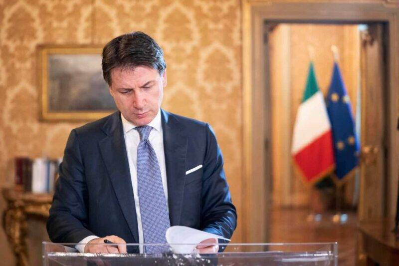 Il Premier Conte sul Decreto Ristori (Facebook)