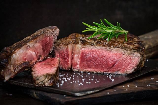 Bistecca: tutti i trucchi per una cottura perfetta