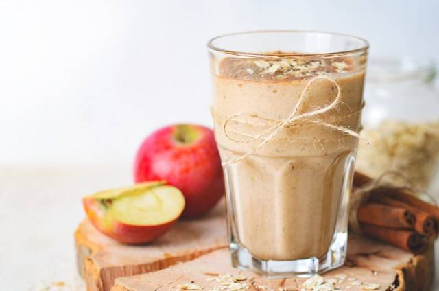 Come fare un frullato di mele per un ventre piatto: trucchi utili