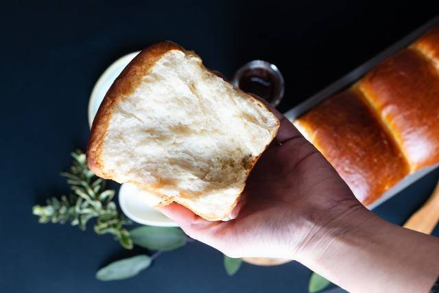 Pan brioche al limone senza burro e senza zucchero