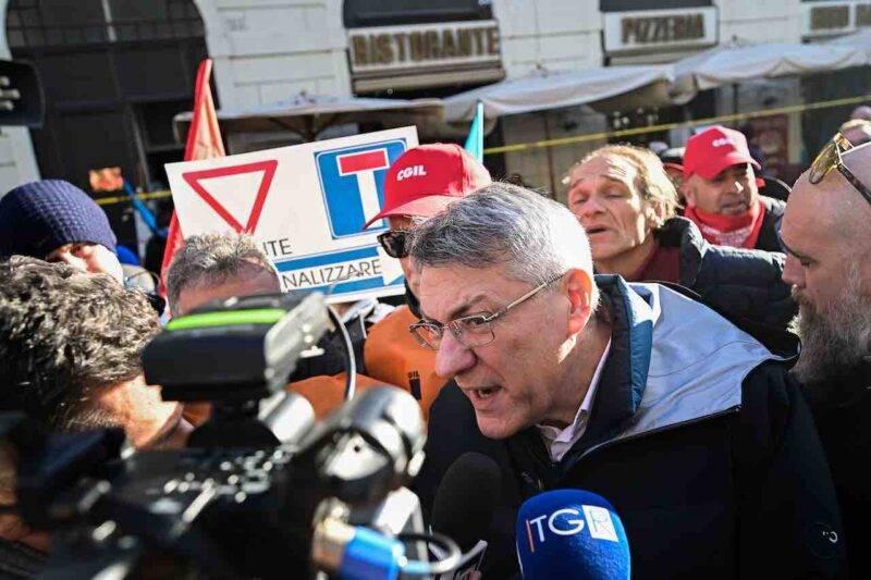 CGIL, Landini chiede stop ai licenziamenti fino a marzo (Getty Images)