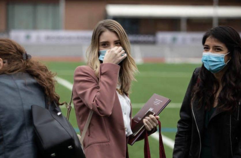 COVID-19, aumentano i contagiati più giovani (Getty Images)