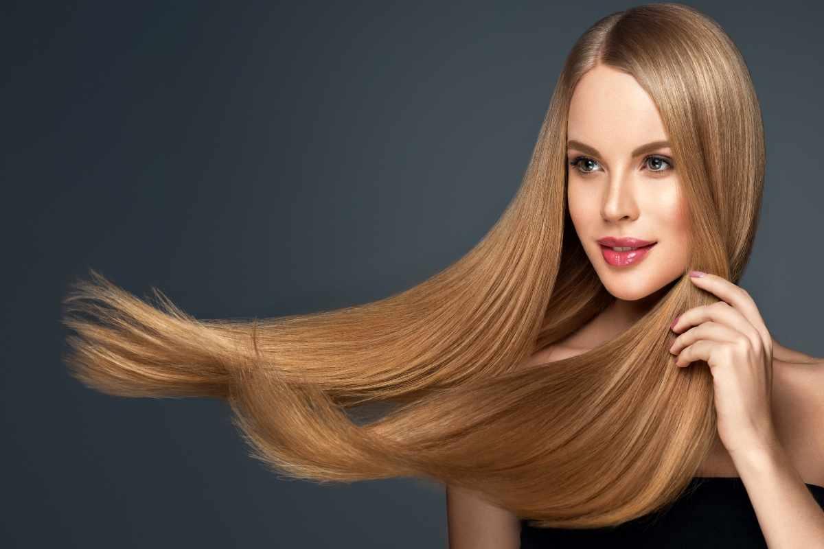 Come prendersi cura dei capelli lisci