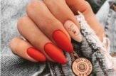 unghie a mandorla rosso corallo