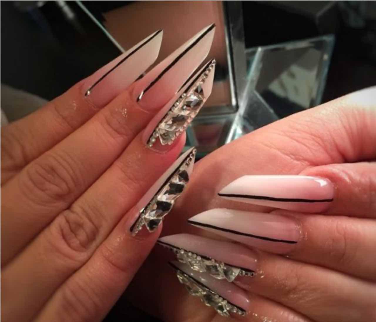 mandorla russa nail art