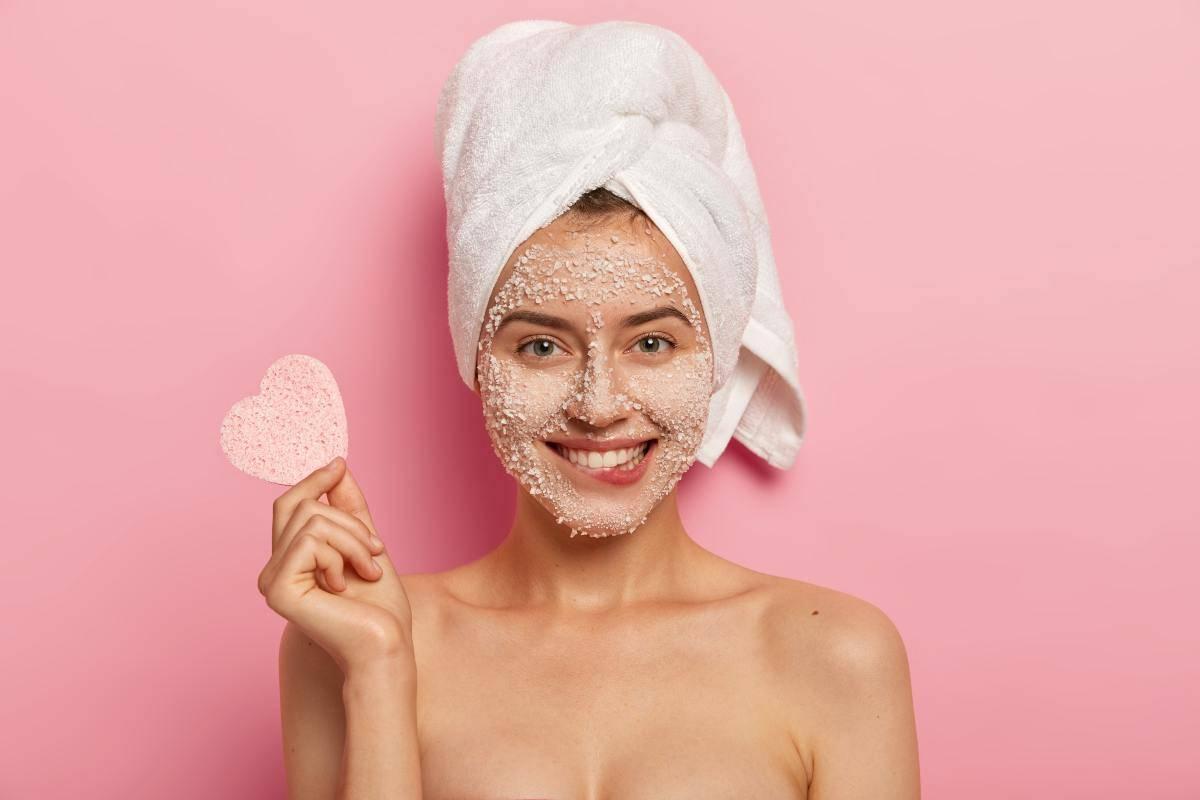 Come fare lo scrub viso