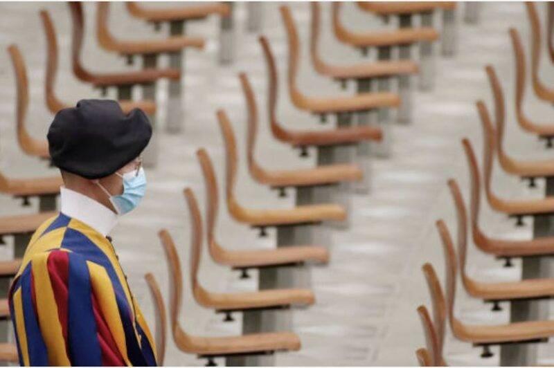 Vaticano, quattro guardie svizzere positive al COVID-19 (Getty Images)