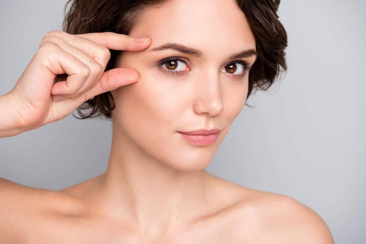 correttore come preparare il contorno occhi al makeup