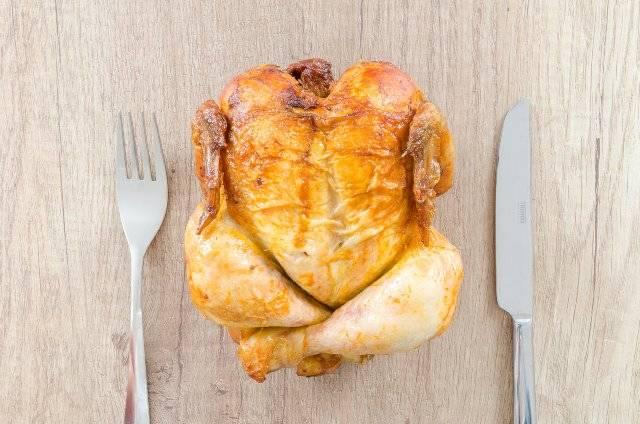 Pollo intero arrosto perfetto: tutti i trucchi per renderlo impeccabile!