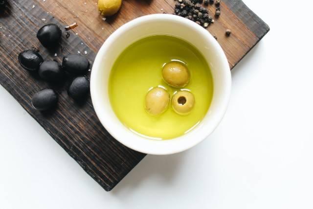 Come scegliere l'olio extra vergine di oliva: trucchi utili
