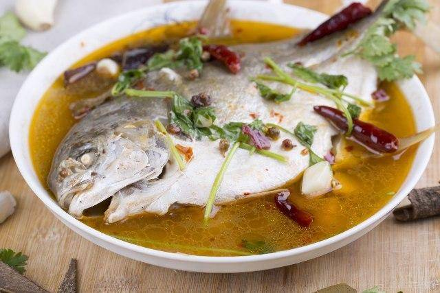 Pesce al vapore: il trucco per cuocerlo perfettamente