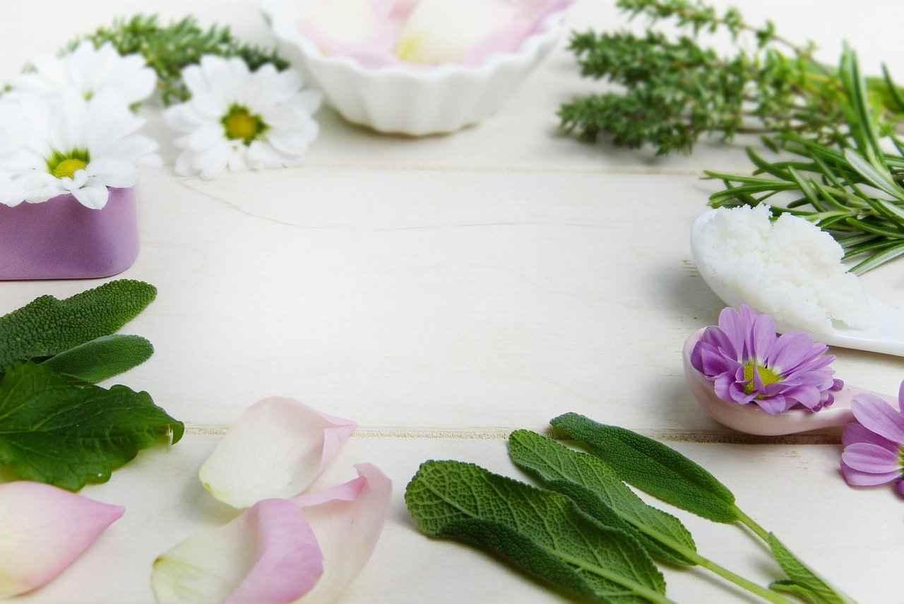 pelle grassa acneica rimedi naturali