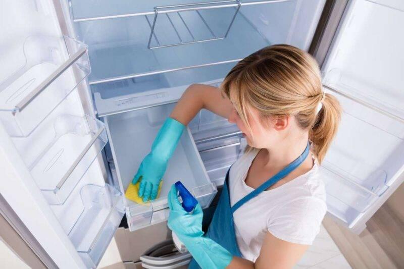 Pulire il frigorifero facilmente: fallo con questi trucchi!