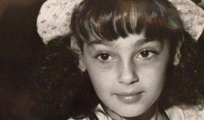 Anna Tatangelo da piccola