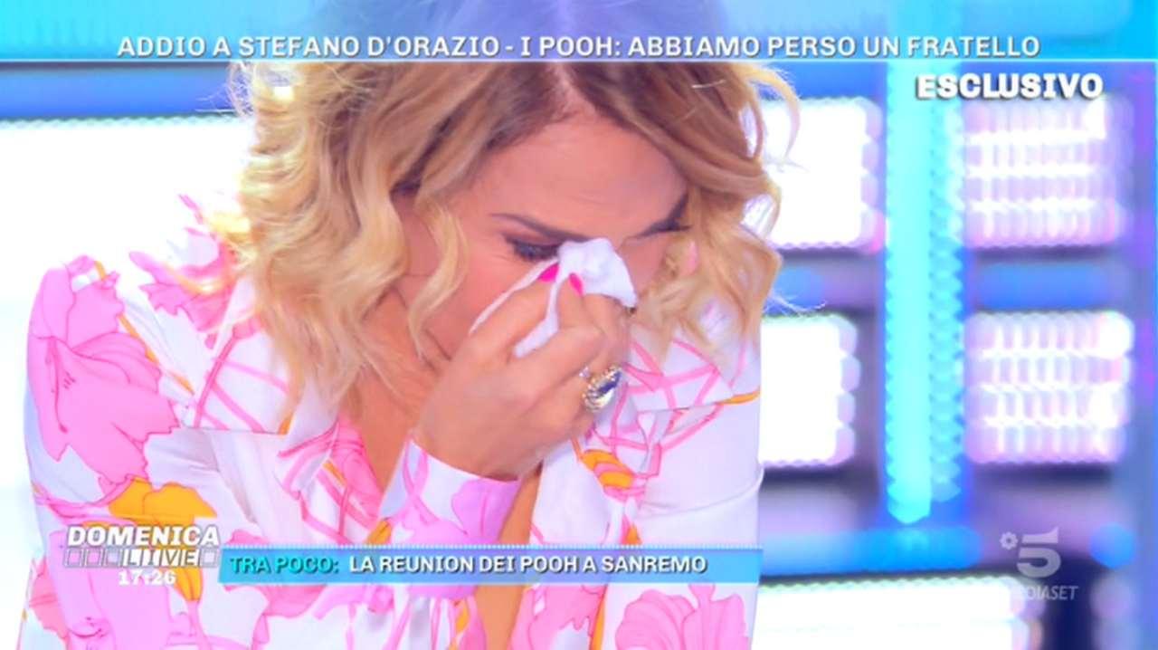 Barbara d'Urso piange per Stefano D'Orazio