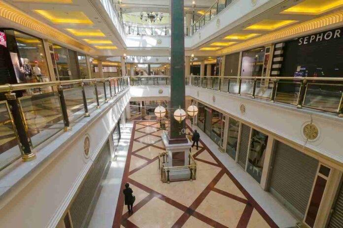 Confcommercio chiede al Tar del Lazio di riaprire i centri commerciali