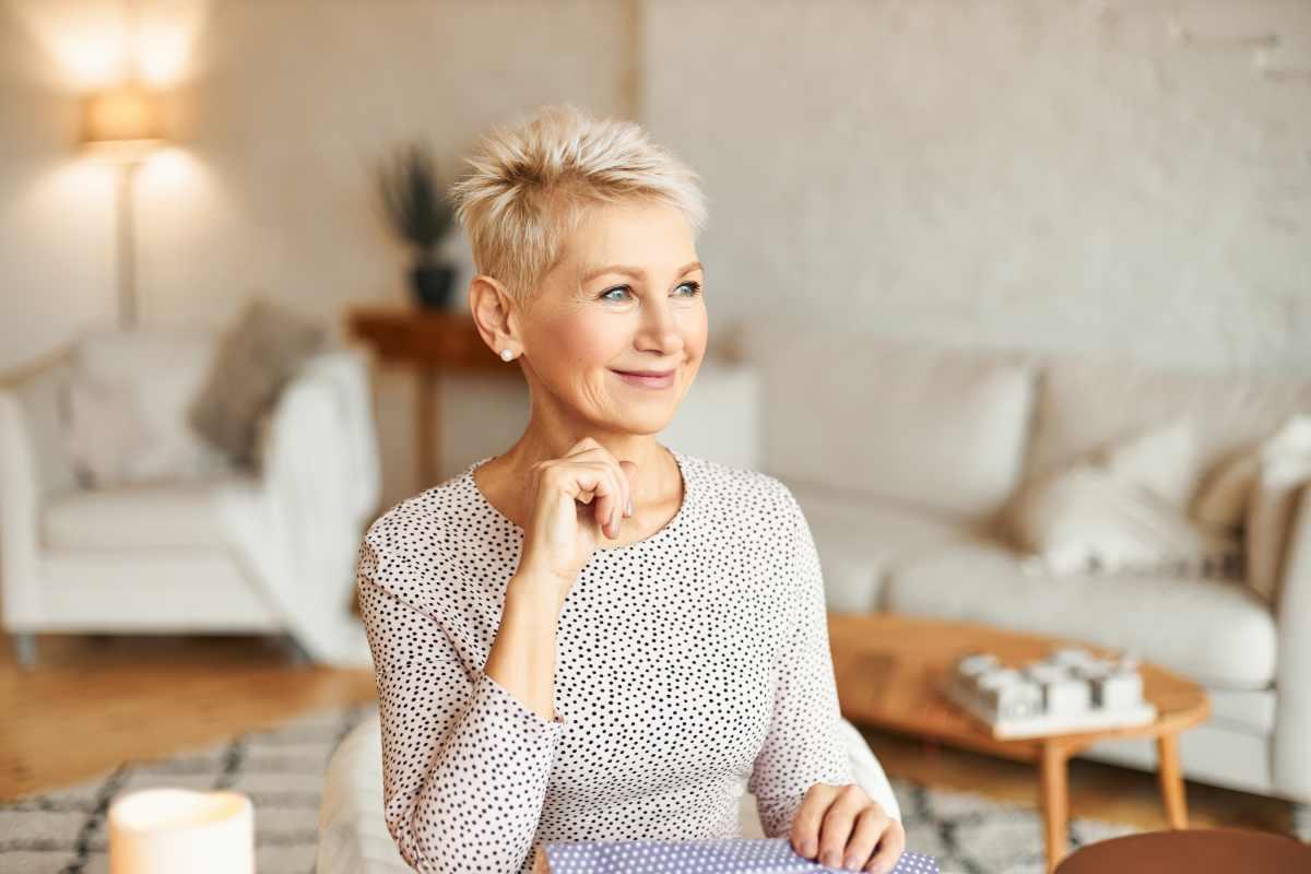 Capelli corti per donne over 50: ecco i tagli consigliati