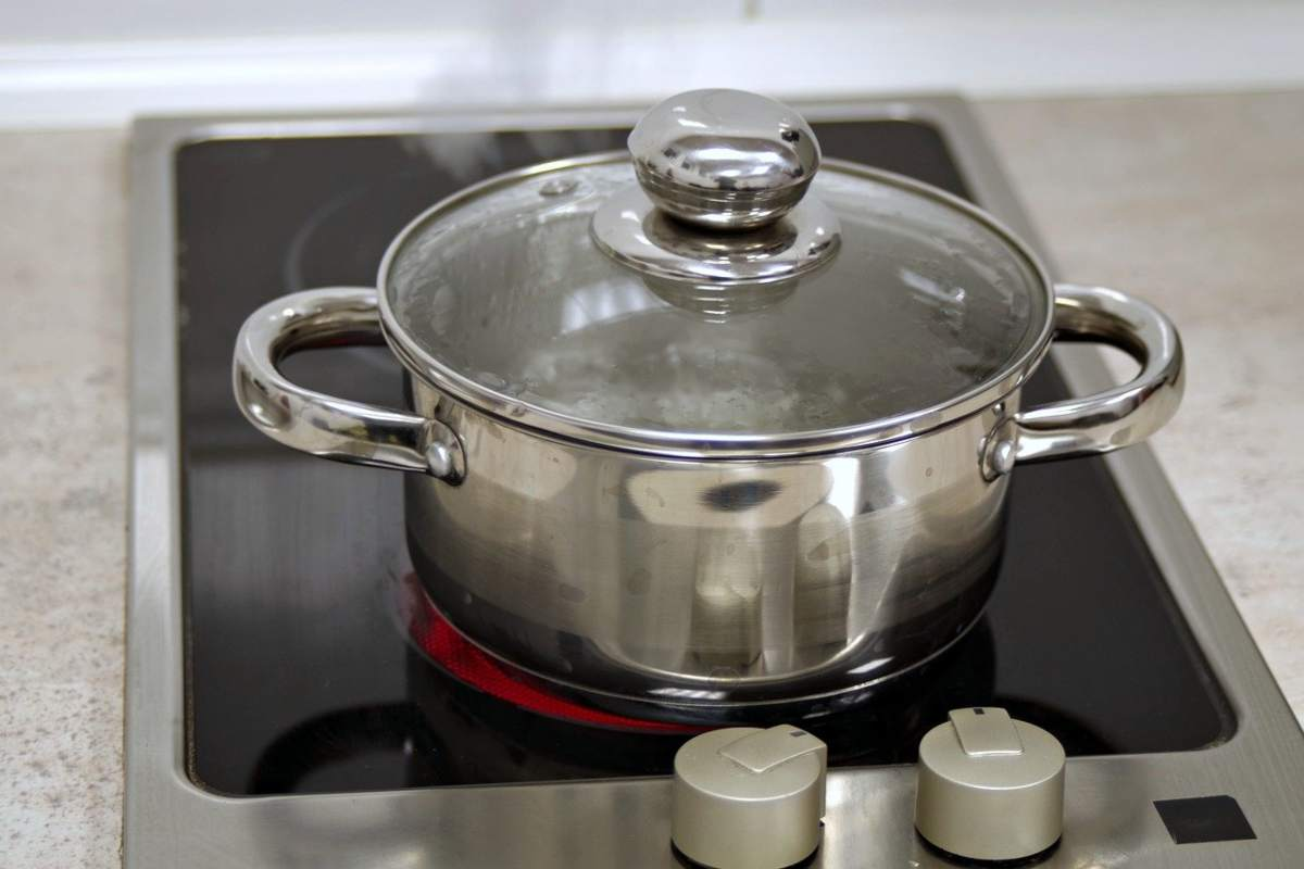 Come pulire e lucidare l'acciaio inox