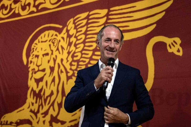 Luca Zaia, nuova stretta in Veneto per evitare assembramenti (Getty Images)