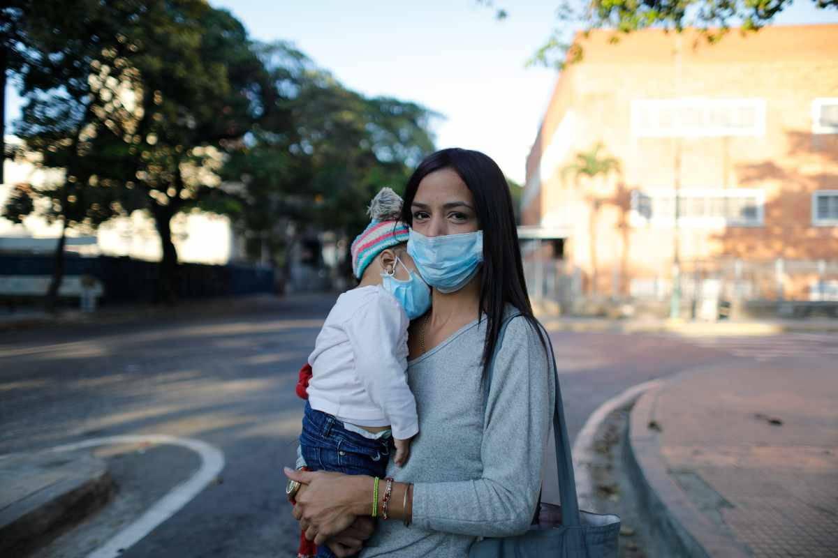 Covid, serve prdudenza anche nelle famiglie per prevenire i contagi