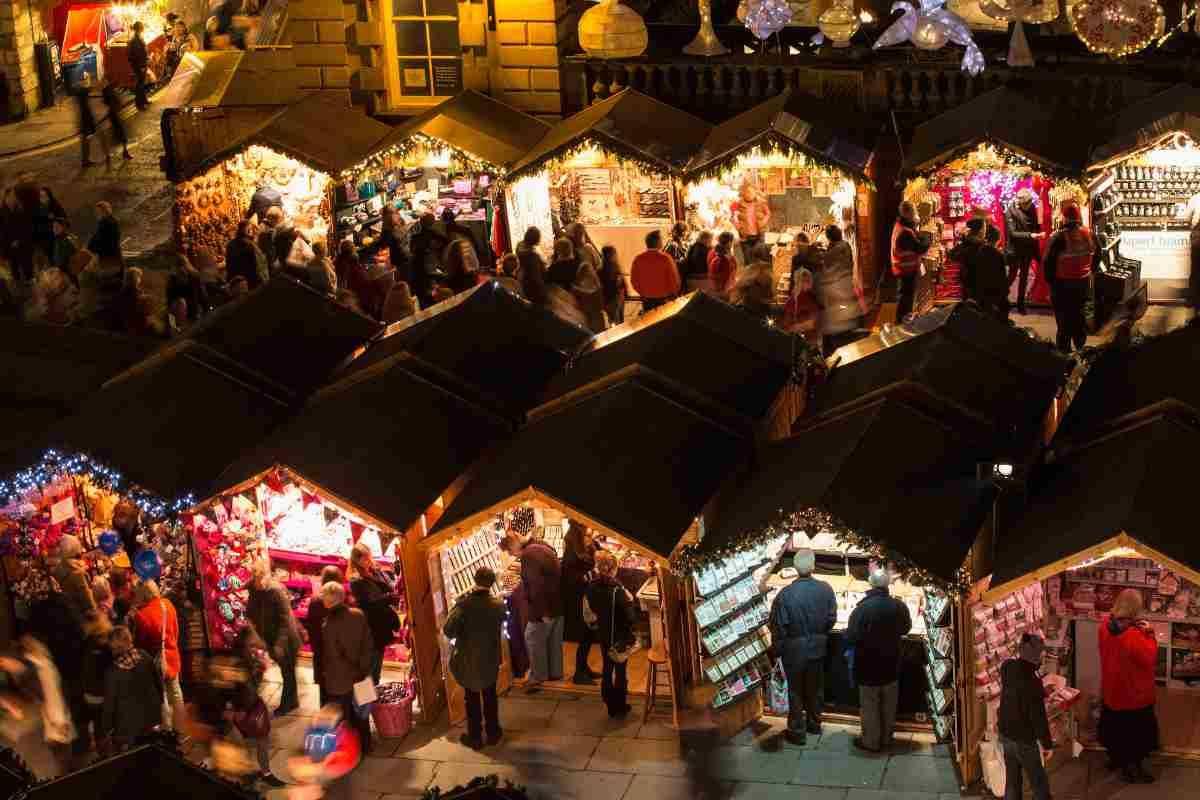 Per le festività natalizie 2020 sono stati vitati i mercatini di Natale
