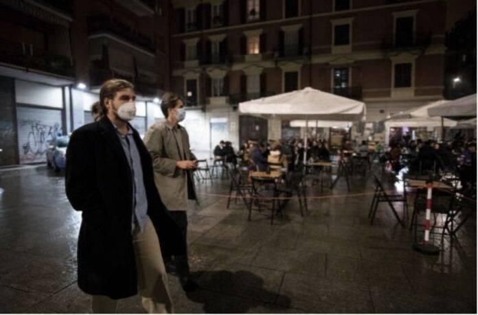 Natale con la pandemia, come si sta preparando l'Italia (Getty Images)