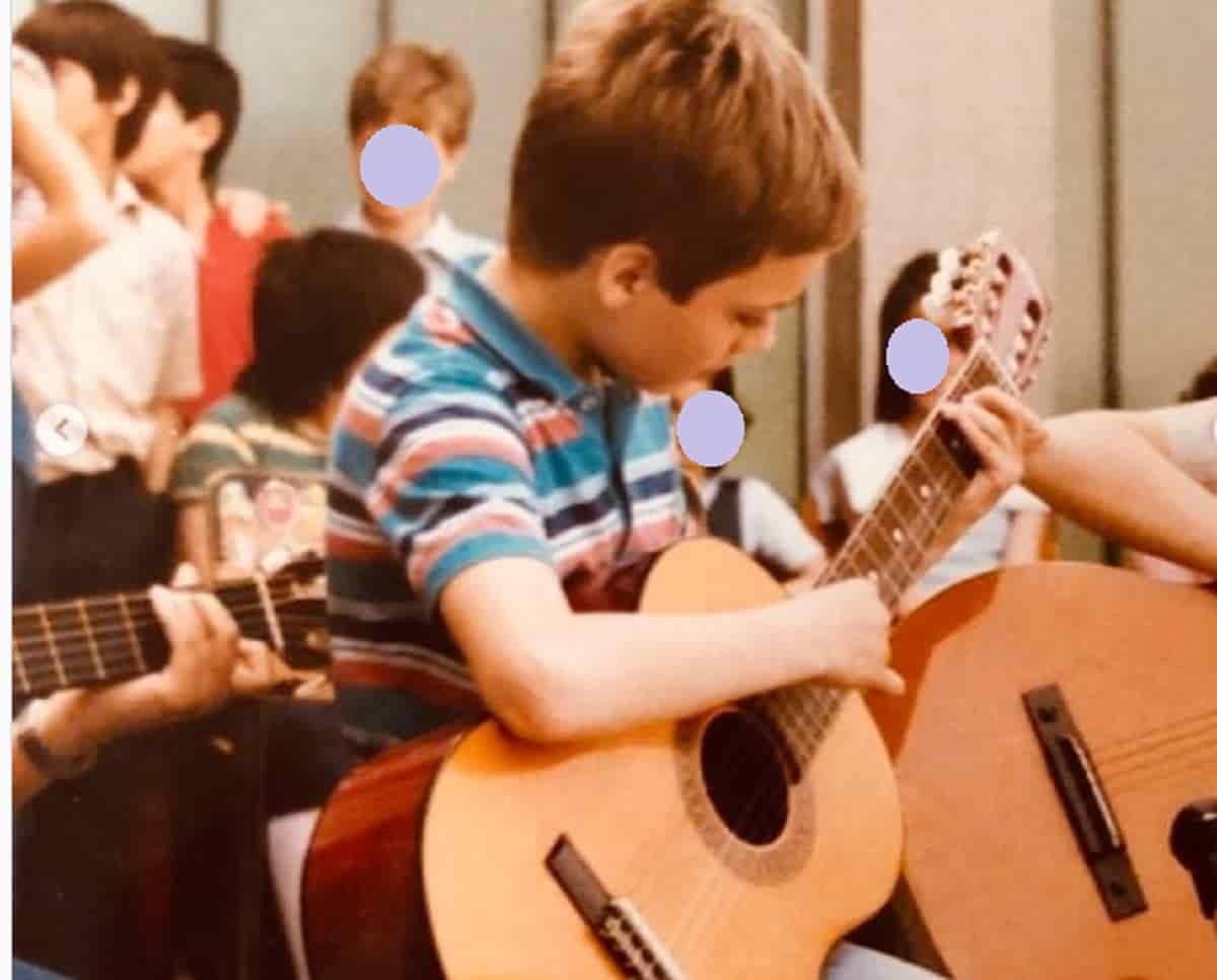 j-ax-bambino cantante