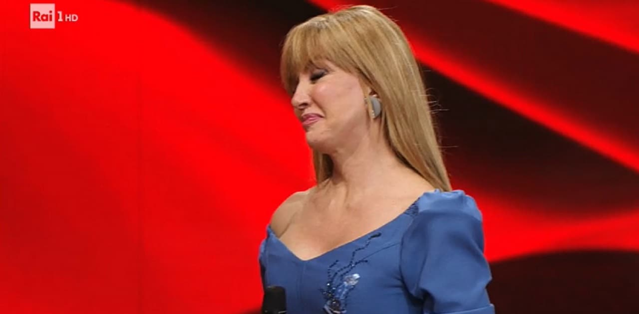 milly-carlucci-piange