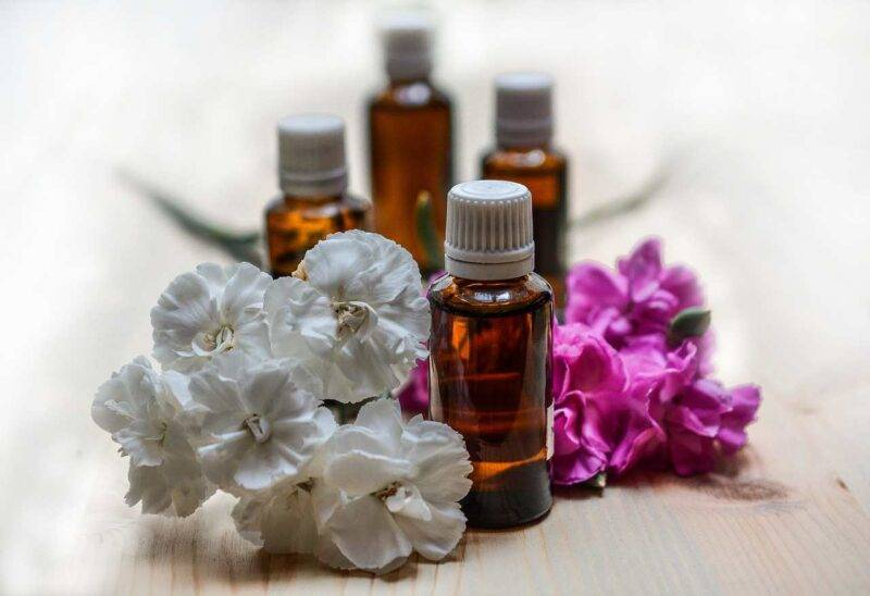 rimedi naturali per pulire pelle grassa