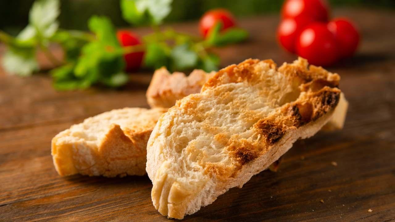 vellutata sedano rapa accompagnare con pane