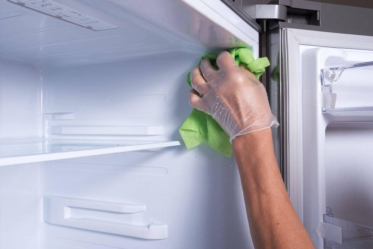 Come pulire l'interno del frigorifero