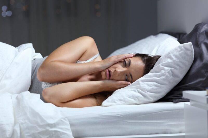 Paralisi del sonno: cosa accade veramente?